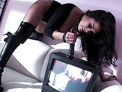 Londons Hot TV Anal Solo